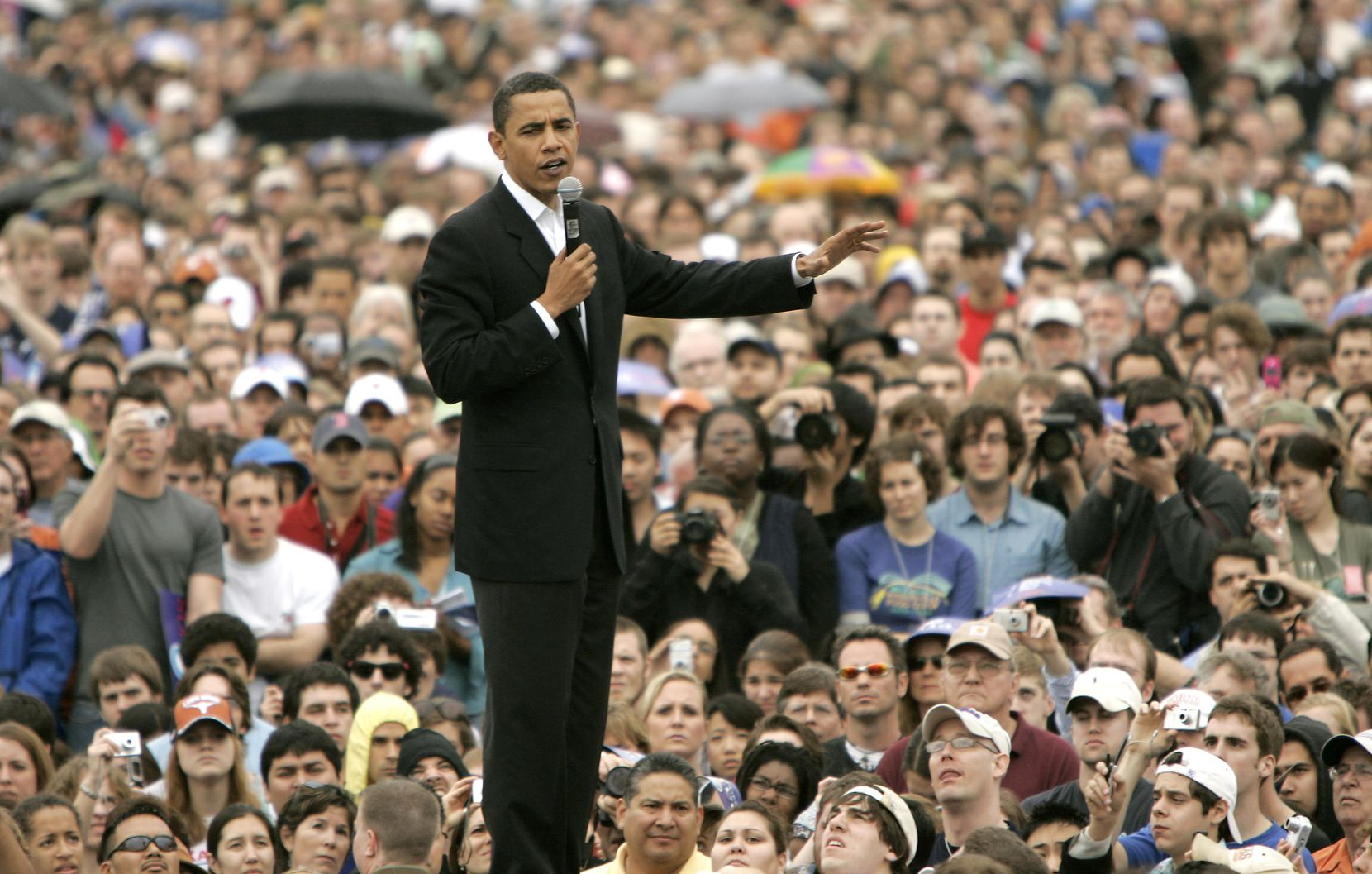 Then-Sen. Barack Obama held the first Texas rally of his 2008 presidential in front of thousands of supporters at Auditorium Shores in Austin on Feb. 22, 2007.