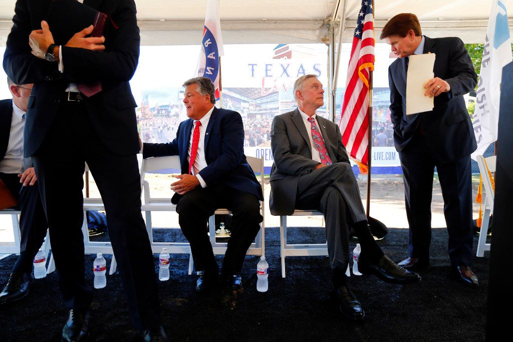 Arlington Mayor Jeff Williams (right) visits with Texas Rangers co-owner Ray Davis before the groundbreaking of Texas Live! (Tom Fox/The Dallas Morning News)