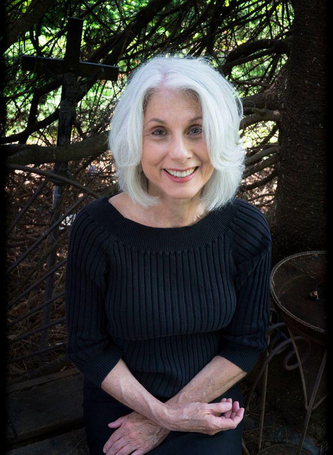 Author Lisa Sandlin has written The Bird Boys, her second Tom Phelan-Delpha Wade book.