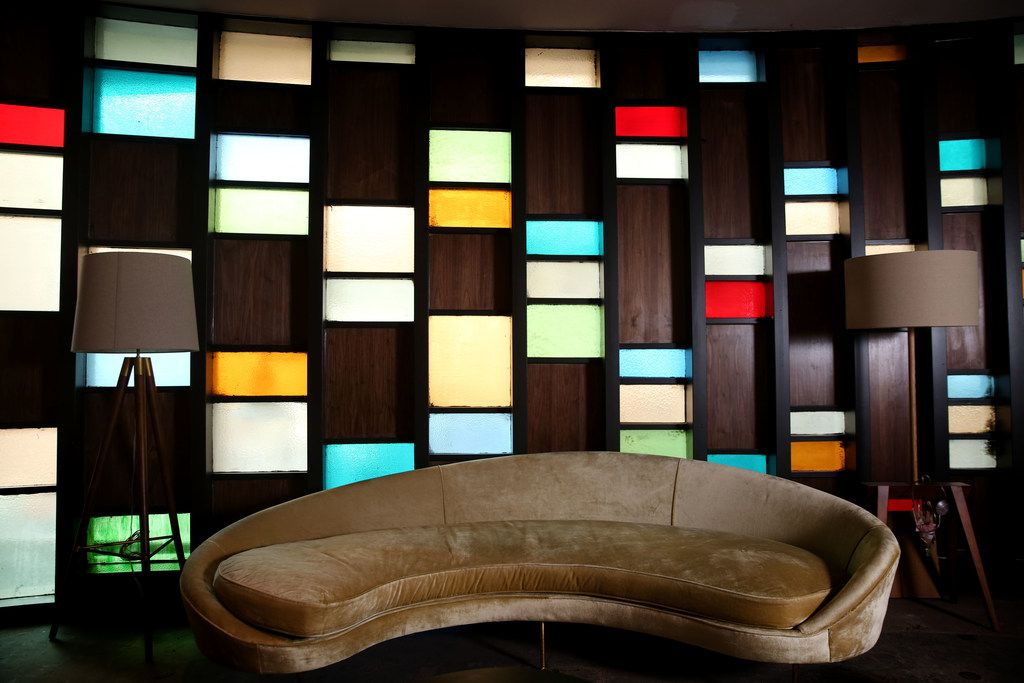 Scout embraces the Statler Hotel's vintage look, with mid-century modern furnishings.