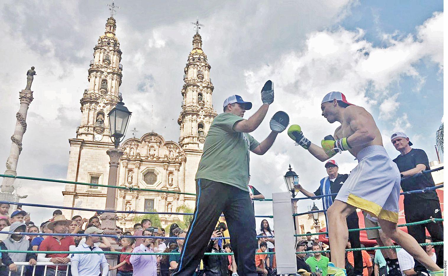 Julio César Chávez Jr. peleó en San Juan de los Lagos, Jalisco.