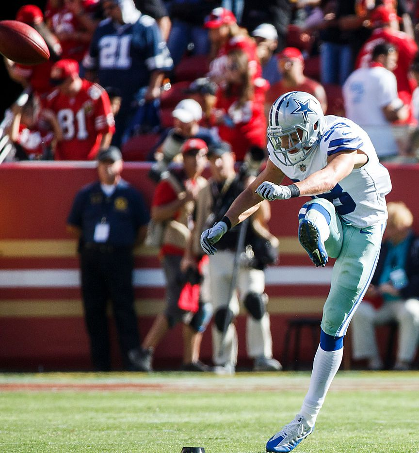 Dallas Cowboys strong safety Jeff Heath kicks off to start the during the second half of an NFL football game against the San Francisco 49ers on Sunday, Oct. 22, 2017, at Levi's Stadium in Santa Clara, Calif. (Smiley N. Pool/The Dallas Morning News)