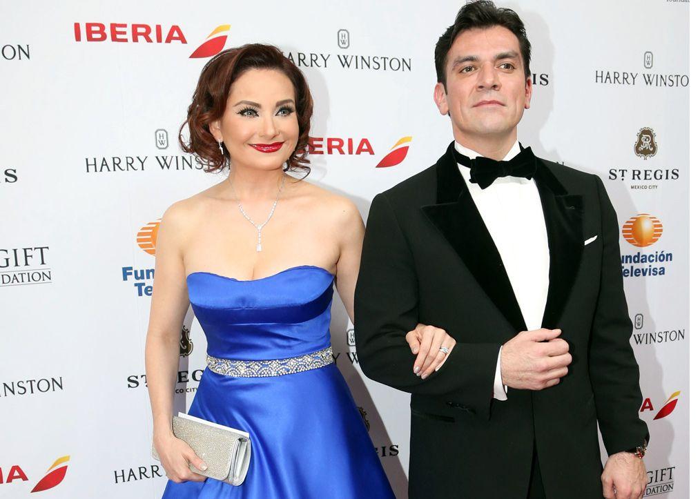 Jorge Salinas y Elizabeth Álvarez se convirtieron en padres.