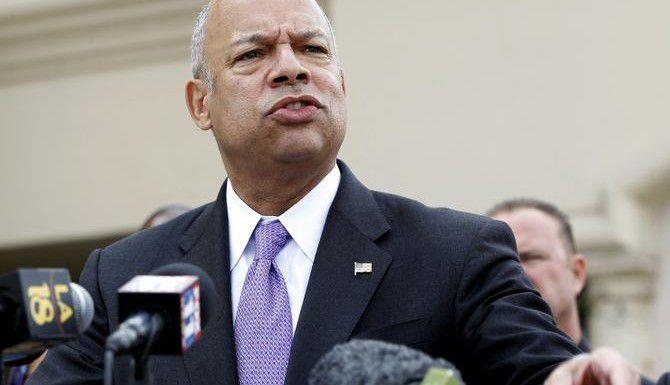 El secretario de Seguridad Jeh Johnson durante un evento en Rowland Heights, California. (AP/NICK UT)