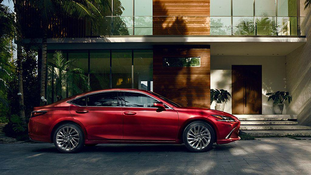 The 2019 Lexus ES 350 Ultra Luxury