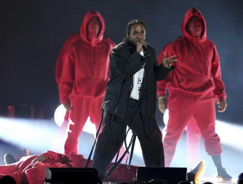 Kendrick Lamar en los Grammy. Foto AP