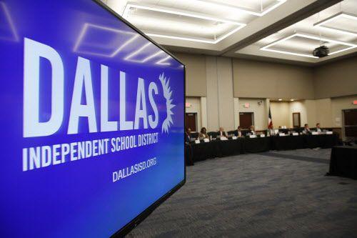Se llevarán a cabo contiendas para representar a tres jurisdicciones del distrito escolar de Dallas en mayo. (Rose Baca/DMN)