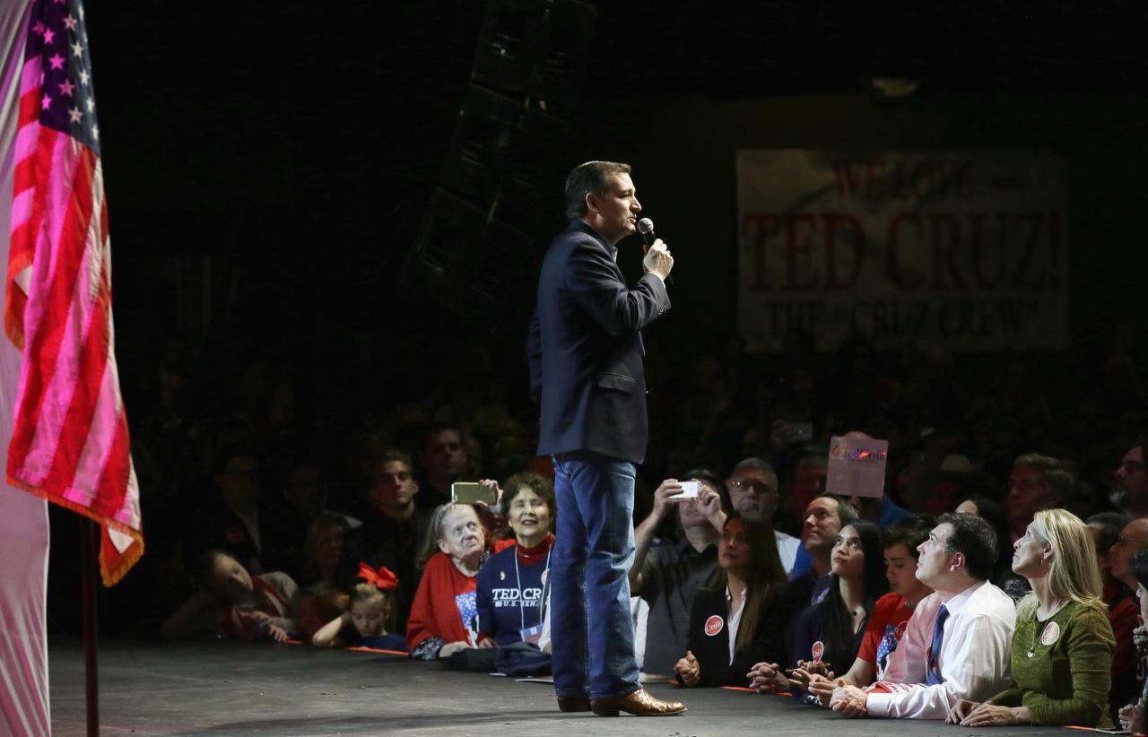 El senador Ted Cruz durante su acto de campaña en Gilley's, en Dallas. (AP/LM Otero)