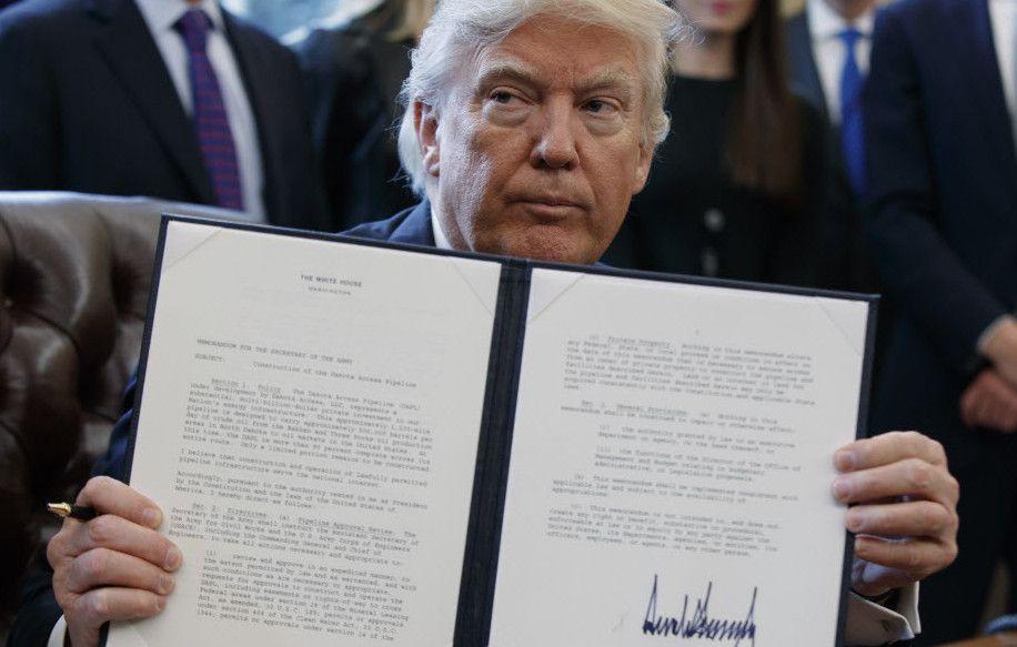 María Fernanda Centeno analizó la firma actual del presidente de los Estados Unidos/AP