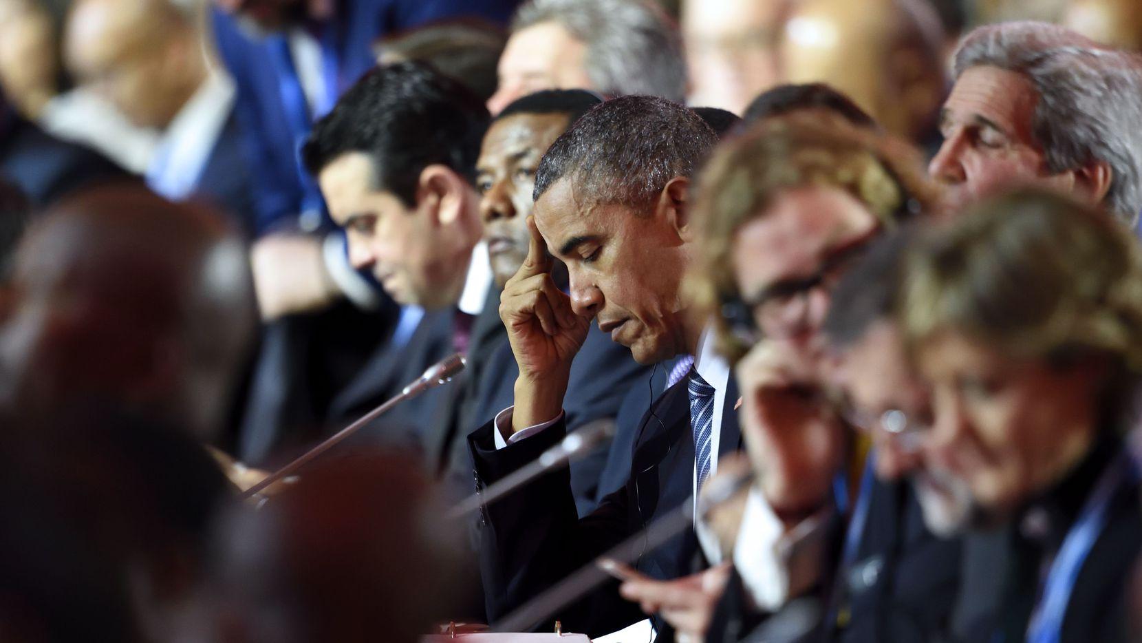 El presidente Barack Obama durante una de las sesiones plenarias de las XXI Conferencia Internacional sobre Cambio Climático que comenzó el lunes, 30 de noviembre.  (AFP/Getty Images)