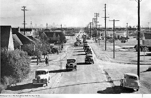 A traffic jam is a traffic jam is a traffic jam. This 1941 photo captures the scene on Preston Road just north of Lovers Lane in Dallas.