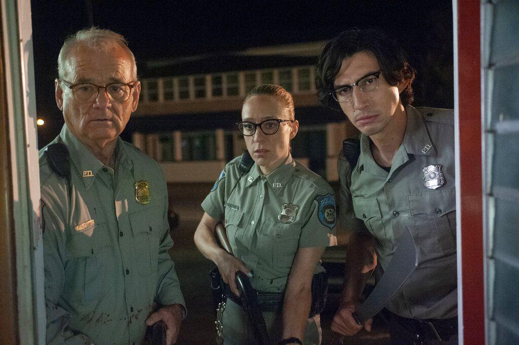 """En esta imagen difundida por Focus Features, Bill Murray, Chloë Sevigny y Adam Driver, de izquierda a derecha, en una escena de """"The Dead Don't Die"""". (Abbot Genser/Focus Features vía AP)"""