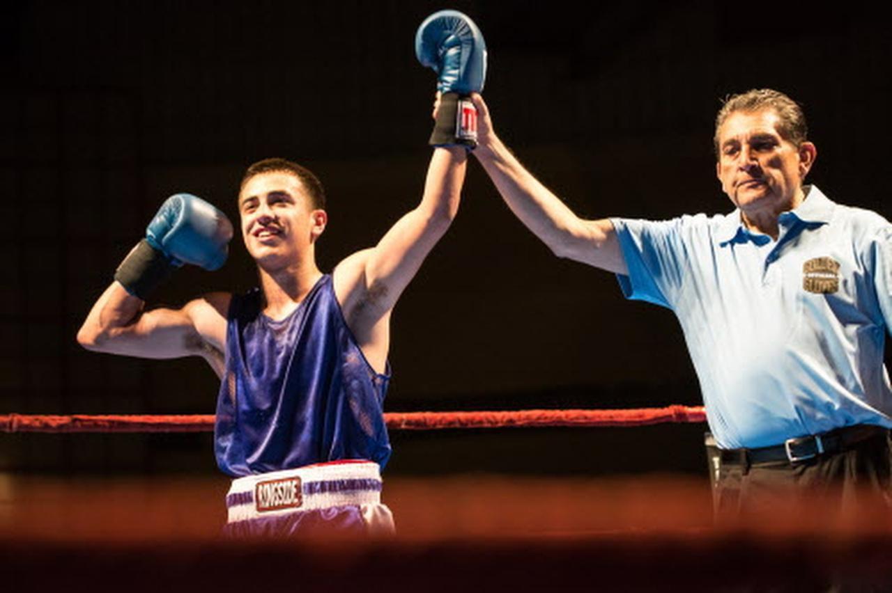 Ángel Alejandro de Dallas ganó su pelea el sábado en los Texas State Golden Gloves en el W. R. Watt Arena de Fort Worth (ESPECIAL PARA AL DÍA/MARÍA OLIVAS)