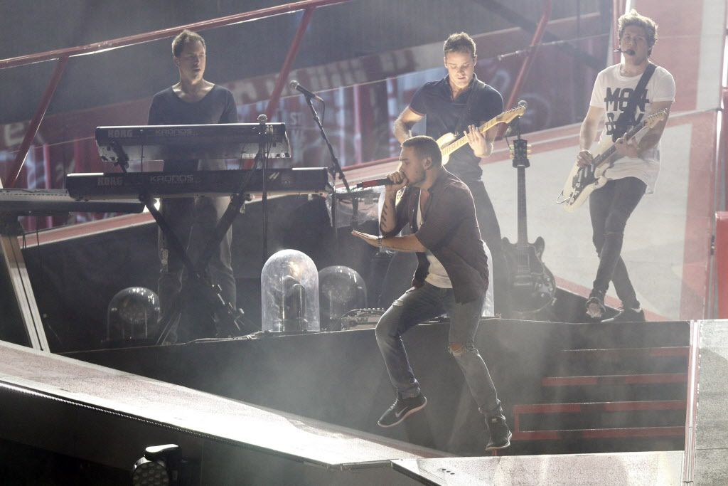 One Direction performs at the AT&T Stadium in Arlington, TX August 24, 2014.