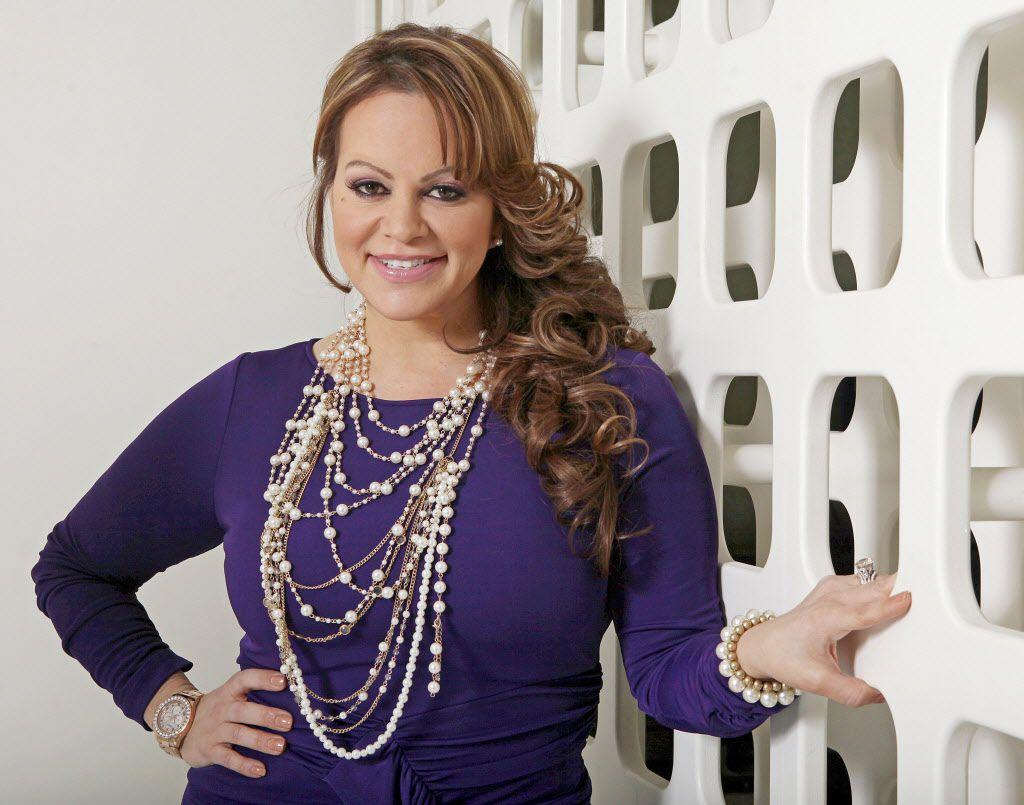 La ex mansión de Jenni Rivera ya tiene nuevos dueños. / AP