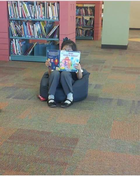 Kathya Alonso, el 2 de abril, el día de su cumpleaños. Lo que más quería era leer en la biblioteca. (Foto Cortesía Martha Alonso)