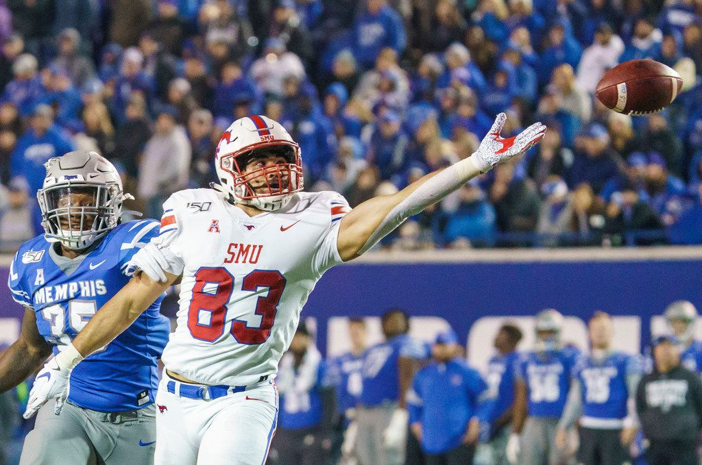 A pass goes out of reach of SMU tight end Kylen Granson (83) as Memphis linebacker Tim Hart (35) defends during the second half of an NCAA football game at Liberty Bowl Memorial Stadium on Saturday, Nov. 2, 2019, in Memphis, Tenn. (Smiley N. Pool/The Dallas Morning News)