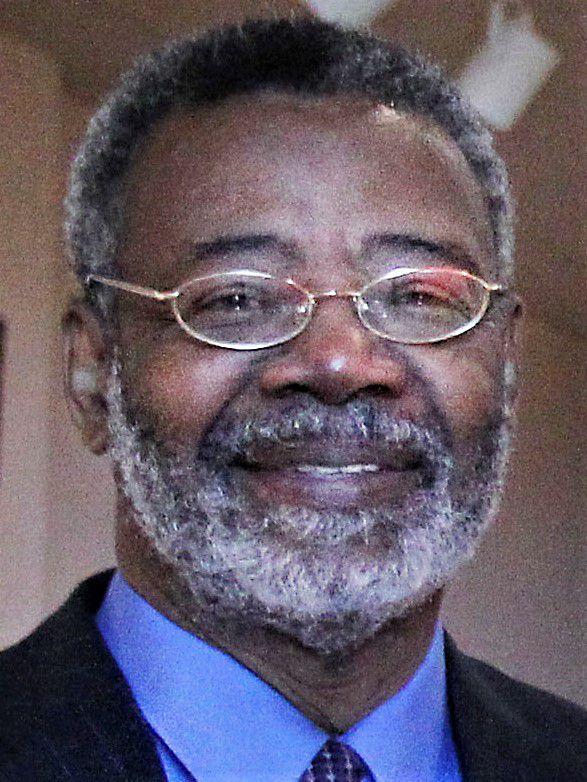 Dr. Harry Robinson Jr.