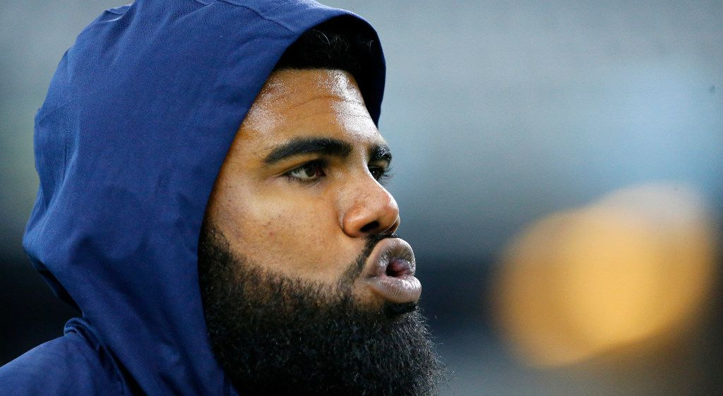 Dallas Cowboys running back Ezekiel Elliott (21) is pictured during pregame warmups before the New York Giants game at AT&T Stadium in Arlington, Texas, Sunday, September 10, 2017. (Tom Fox/The Dallas Morning News)
