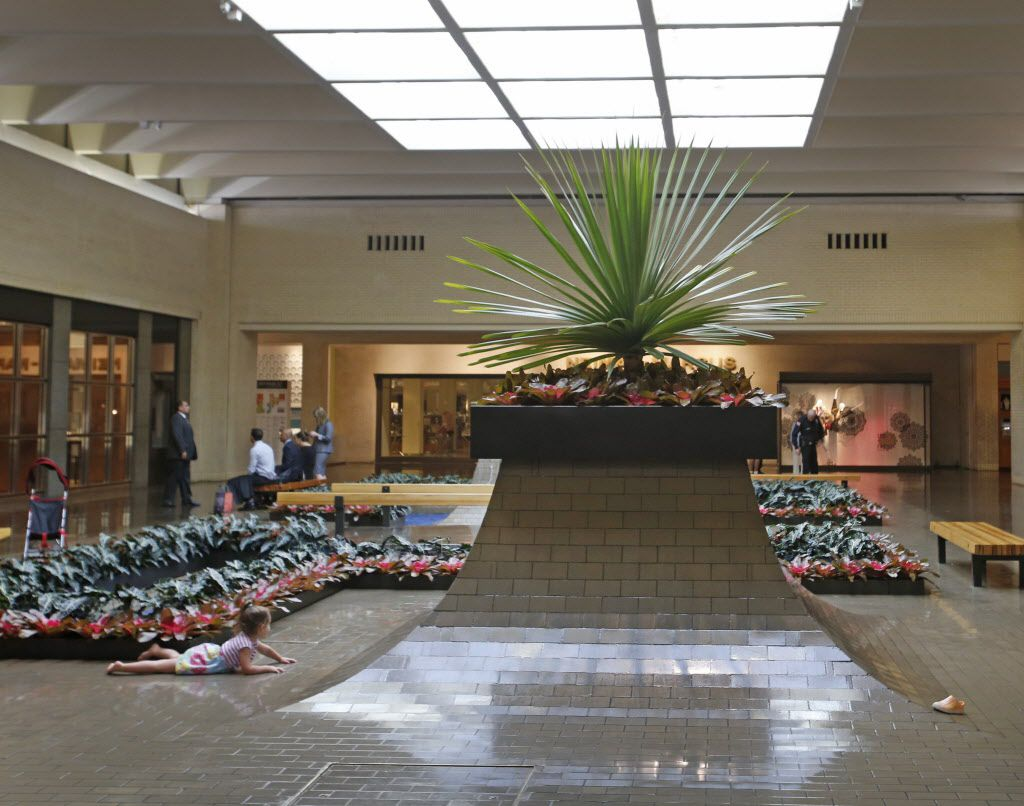 A beautiful planter and fountain (background) near Neiman Marcus in NorthPark Center