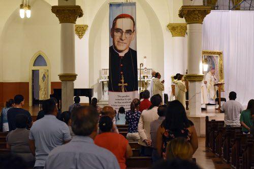 La misa del martes conmemoró los 100 años del natalicio de monseñor Oscar Romero.