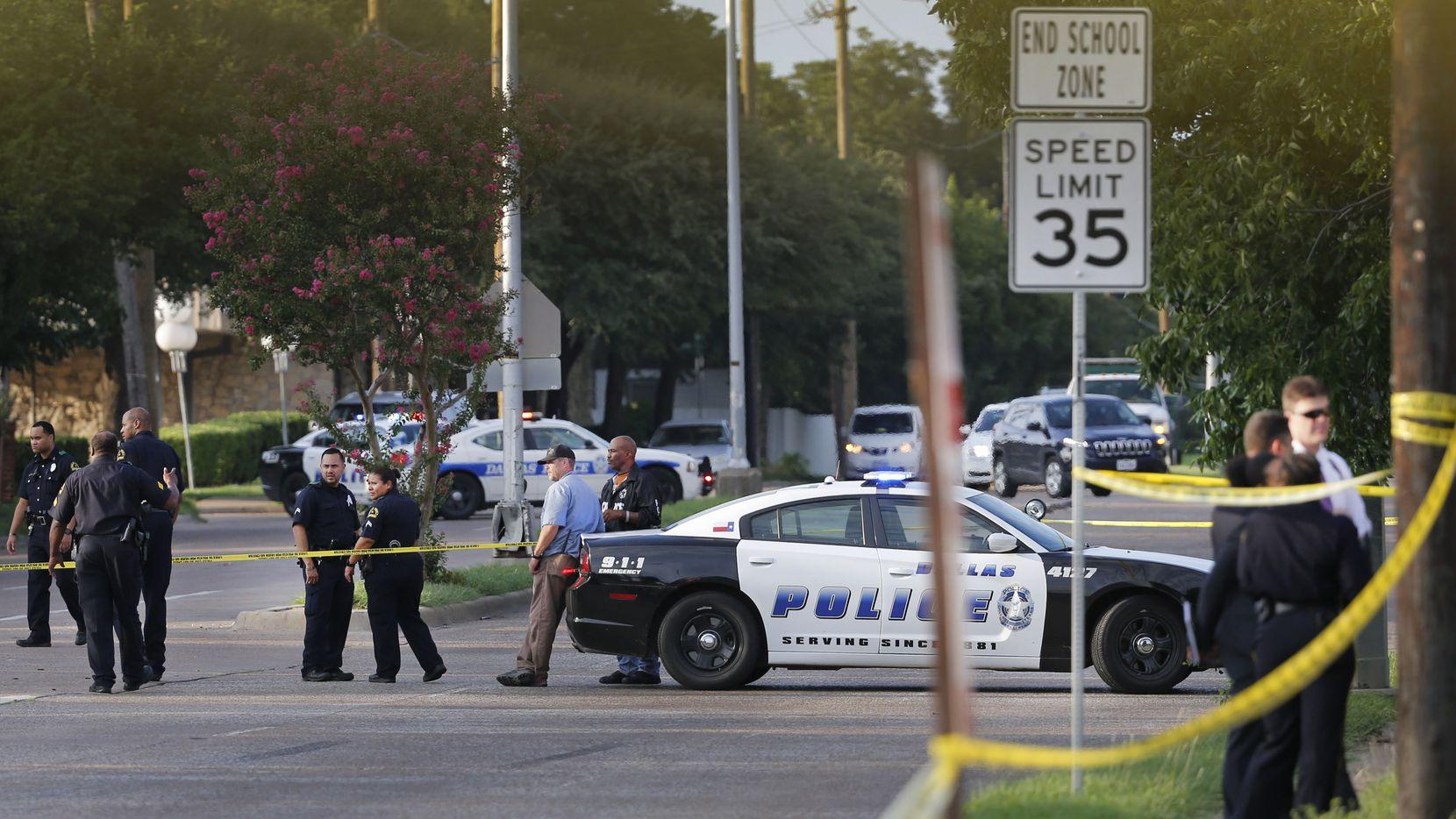 Un policía fue herido durante una balacera en Pleasant Grove. LOUIS DeLUCA/DMN