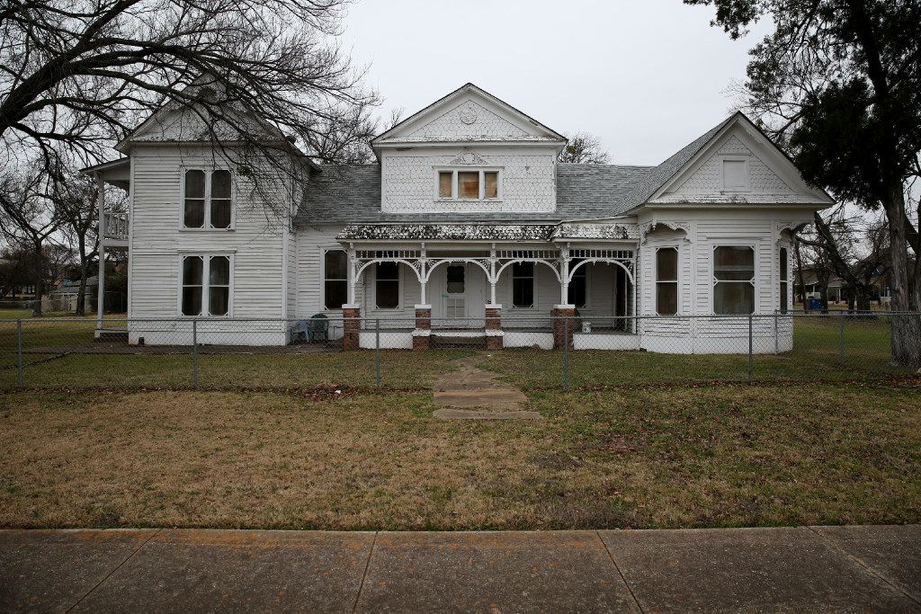 The 1890 Struck House, at 1923 N. Edgefield Ave. in West Dallas, will survive now that it's been purchased by someone looking to rehab the structure.