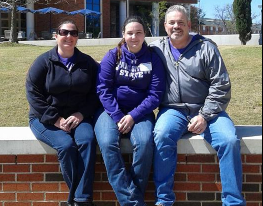 Tarleton State University student Jamie Richards (center) with her family