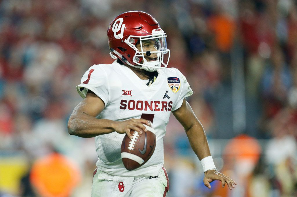 MIAMI, FL - DECEMBER 29:  Kyler Murray #1 of the Oklahoma Sooners carries the ball in the third quarter during the College Football Playoff Semifinal against the Alabama Crimson Tide at the Capital One Orange Bowl at Hard Rock Stadium on December 29, 2018 in Miami, Florida.  (Photo by Michael Reaves/Getty Images)
