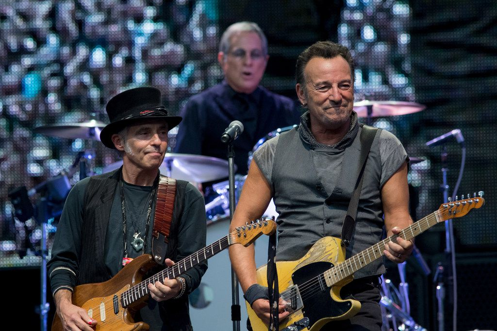 Nils Lofgren Max Weinberg and Bruce Springsteen performs concert on July 3, 2016 in Milan, Italy. MILAN, ITALY - JULY 03:  Nils Lofgren Max Weinberg and Bruce Springsteen  performs concert on July 3, 2016 in Milan, Italy.  (Photo by Francesco Prandoni/Redferns) ORG XMIT: 651594867