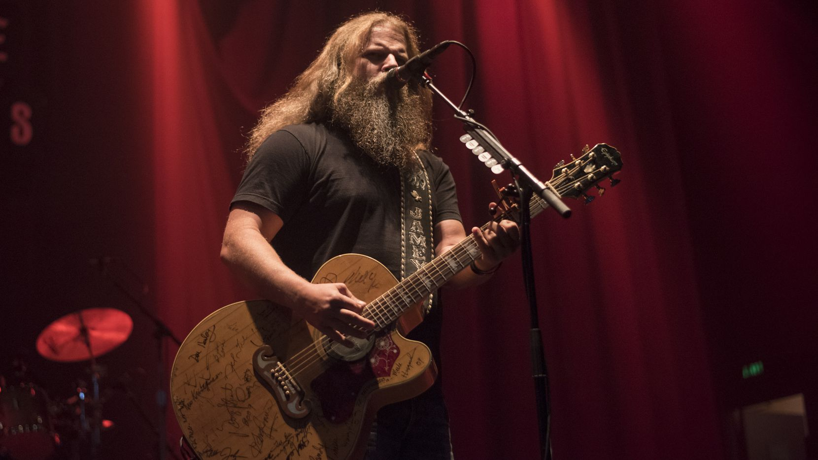 Country artist Jamey Johnson performs at the House of Blues on Friday, Oct. 30, 2015.   (Rex C. Curry/Special Contributor)