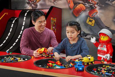 Los padres podrán armar construcciones con legos este domingo en Grapevine. CORTESÍA LEGOLAND