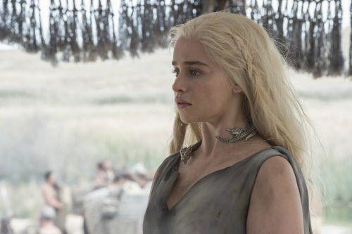 Daenerys Targaryen vuelve a estar en manos de los Dhotraki, tal como al principio de la serie. HBO