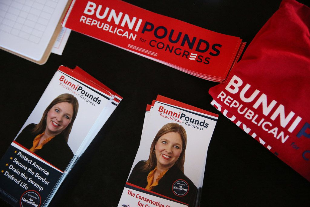 Campaign literature was left out for folks at a a campaign event in Mesquite. (Andy Jacobsohn/Staff Photographer)
