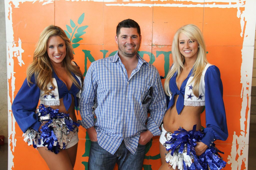 Joe Shanley posed for a photo with Dallas Cowboys Cheerleaders Kelsey Lauren and Caila  at the Taste of the NFL.