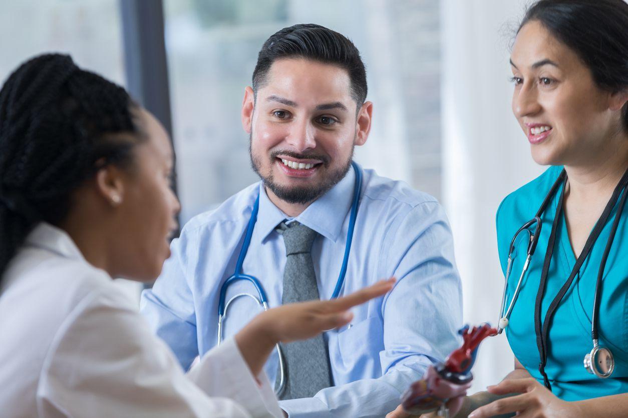 Buscan ayuda de hispanos para recolectar información que pueda ayudar a prevenir enfermedades del corazón. iSTOCK