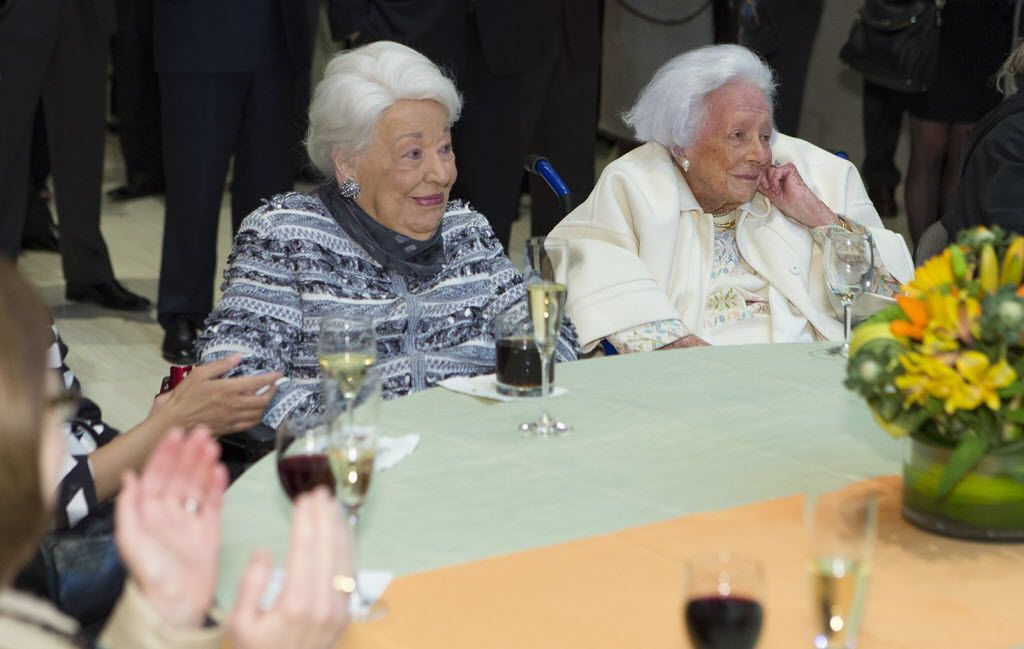 The late Dallas real estate queen, Ebby Halliday (left), and McDermott were guests at a University of Texas at Dallas gathering at the Federal Reserve Bank in 2014. (Randy Anderson/UTD)