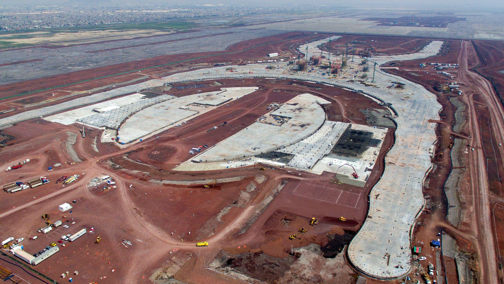 Vista aérea de la construcción del Nuevo Aeropuerto Internacional de la Ciudad de México, en Texcoco. (AFP/Getty Images/PEDRO PARDO)
