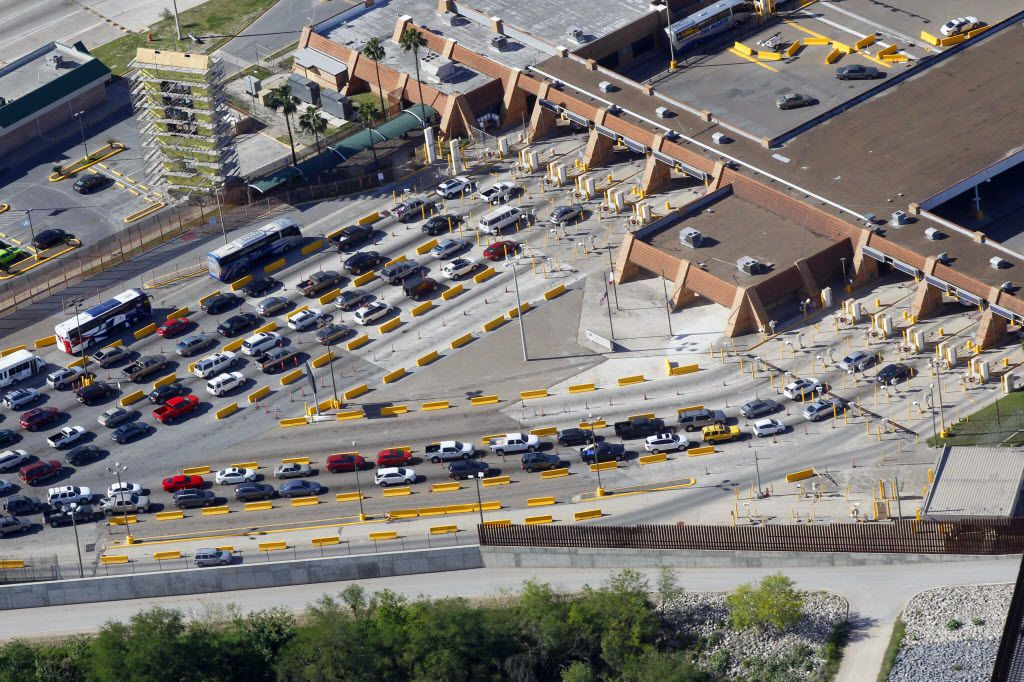 Traffic entering the U.S. from Reynosa, Mexico backs up on the U.S. side at the Hidalgo Port of Entry on the Mcallen-Hidalgo-Reynosa International Bridge Thursday March 24, 2016 in Hidalgo, Texas.  (Nathan Lambrecht/Special Contributor)