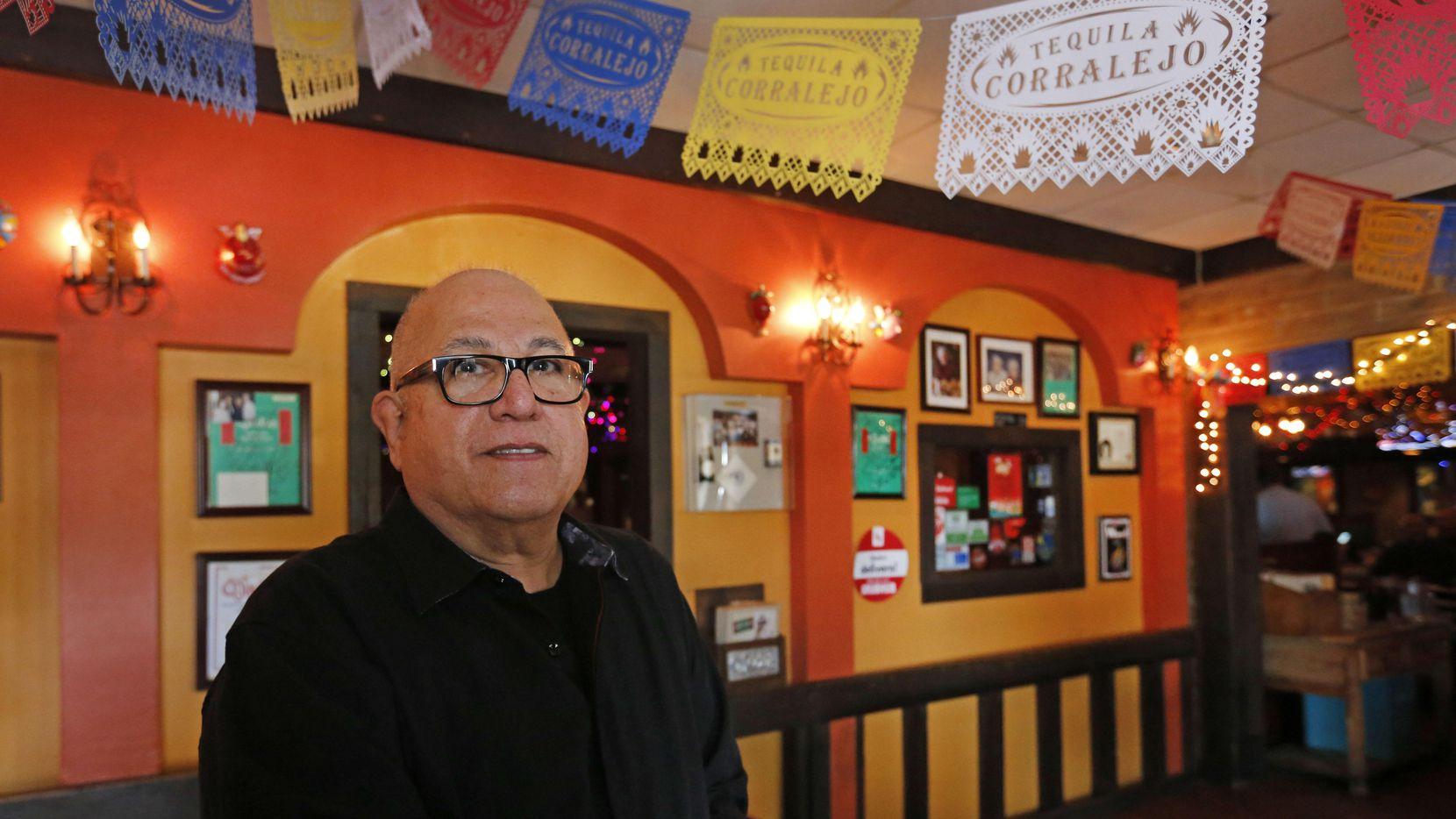 Para Thomas Ojeda, hijo de Ben y Cecilia, quienes abrieron Ojeda's en 1969, en Maple Avenue, la comida Tex-Mex ha sido el sustento de su familia por varias generaciones.DMN
