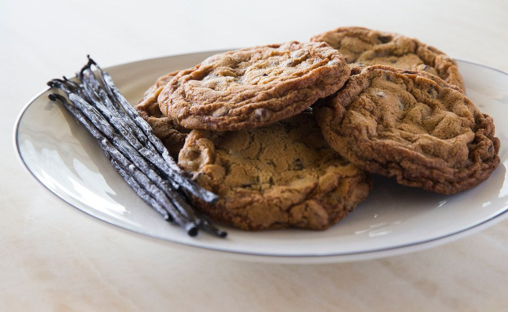 A plate of vanilla beans and chocolate chip cookies at Bullion restaurant in Dallas
