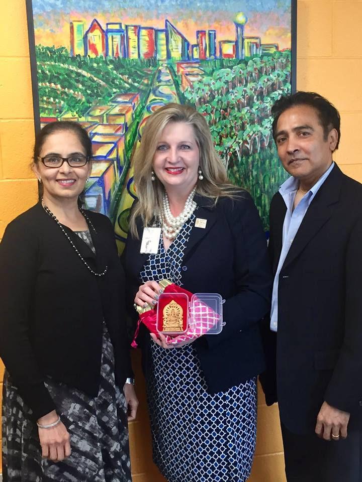 From left: Aradhana Asava, North Texas Food Bank CEO Trish Cunningham and Raj G. Asava.