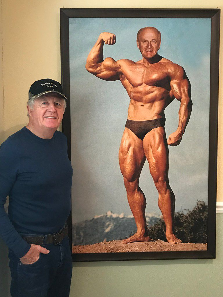 Former EDS executive Tom Meurer and his wife returned from a vacation to find that Ross Perot Sr. had planted Meurer's face on the life-size body of Arnold Schwarzenegger and sneaked it into their home while they were gone.