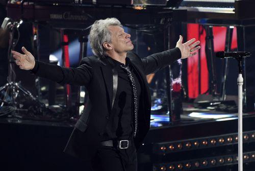 Jon Bon Jovi trae su gira This House Is Not For Sale a Dallas. Foto AP