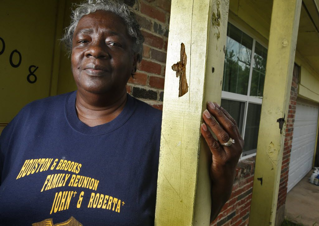 Audrey Baker's  front porch was the scene of one of Dallas' most deadly shootings of a 19-year-old black man in 2009,  in Dallas, TX July 15, 2016.  (Nathan Hunsinger/The Dallas Morning News)