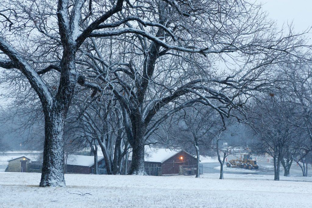Snow covered Flag Pole Hill Park in a layer of white during Christmas in Dallas in 2012. (File Photo/Staff)
