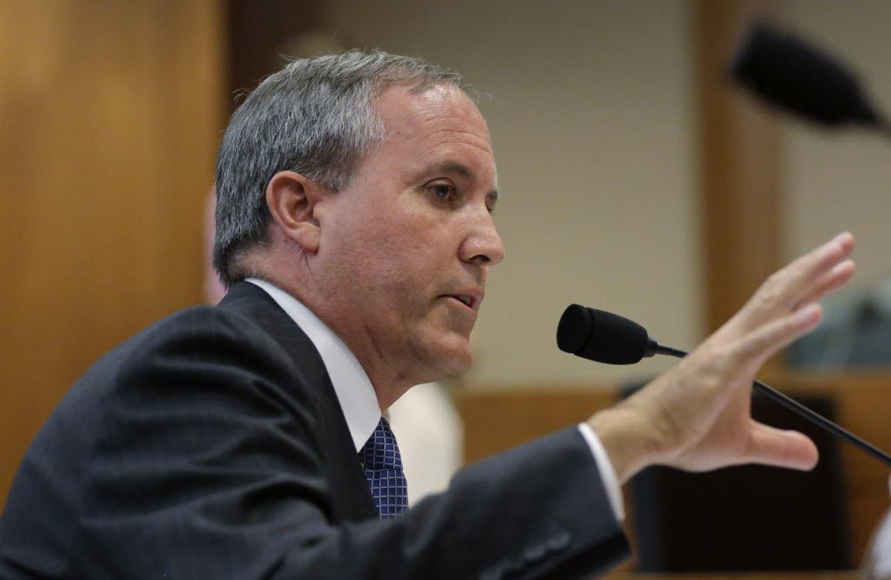 El Procurador General de Texas aboga ante la Suprema Corte de Justicia para que no interceda para desbloquear las medidas migratorias anunciadas por el presidente Barack Obama en el 2014. (AP/ERIC GAY)