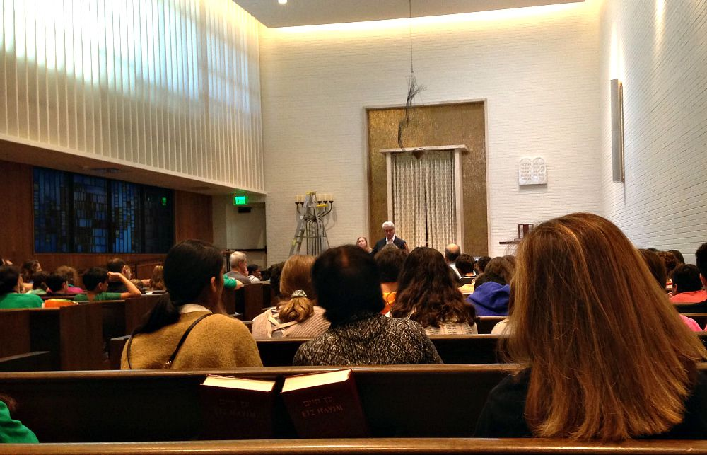 Rabbi David Stern and Cantor Vicky Glikin spoke to the middle-schoolers at Temple Emanu-El Sunday morning.