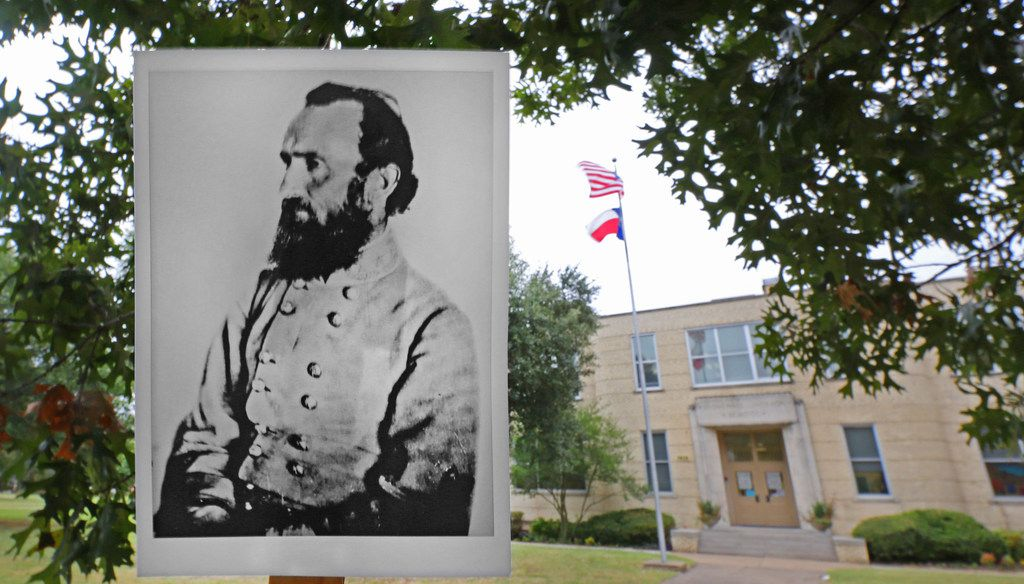 An archive copy photo of Stonewall Jackson is displayed in a photo of Stonewall Jackson Elementary School at 5828 East Mockingbird Lane in Dallas .