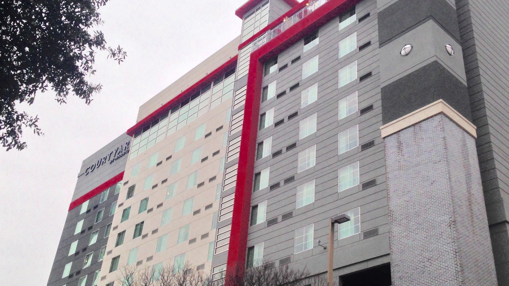 Chatham Lodging Trust bought the new Courtyard by Marriott Downtown Dallas Hotel.